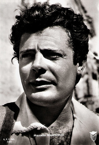 Marcello Mastroianni in La Bella Mugnaia (1955)