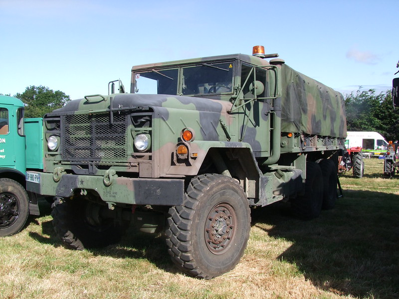 Rassemblement de camions anciens en Normandie 35143584810_6f9a7a14c5_c
