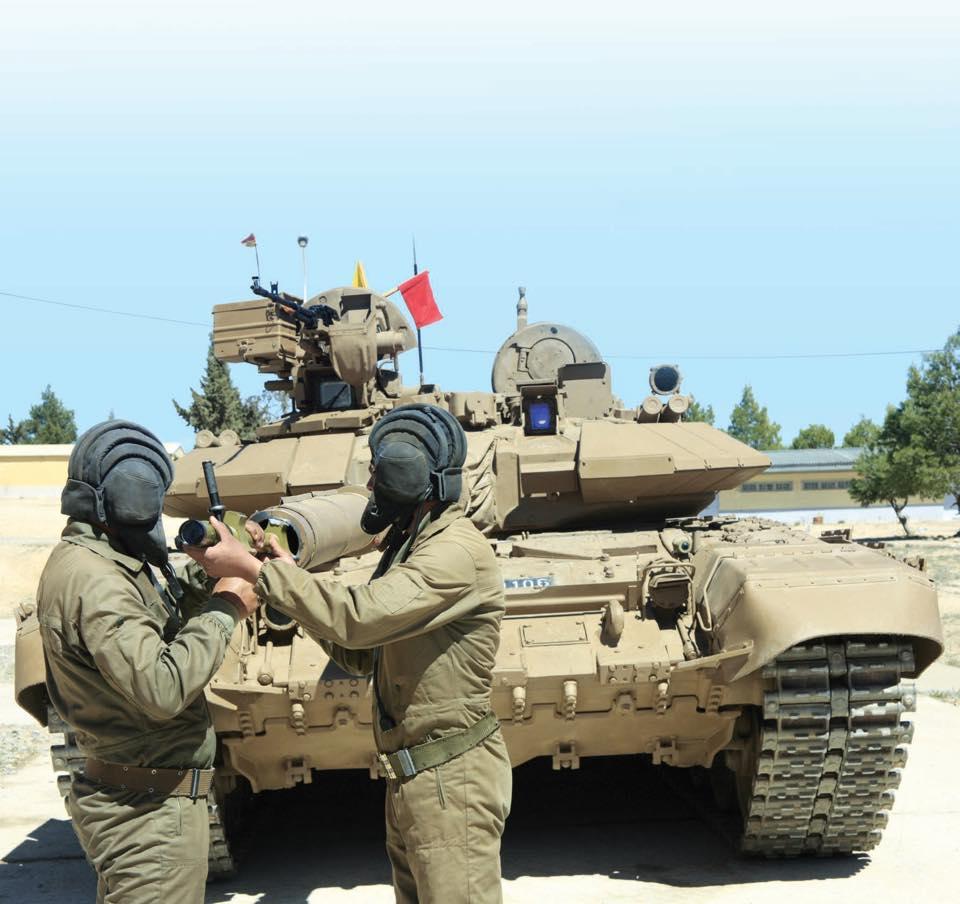 Armée Algérienne (ANP) - Tome XIV - Page 2 35146388136_708356d0ab_o