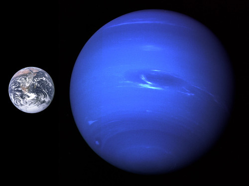 Neptune Earth size comparison_2