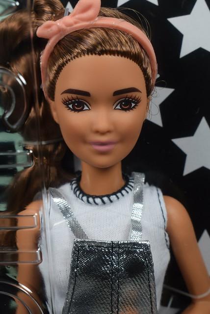2016 Barbie Fashionistas Petite 62 DYY92 (1)
