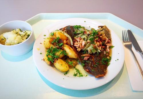 """Plaice """"Finkenwerder Style"""" with bacon & onions / Scholle Finkenwerder Art mit Speck & Zwiebeln"""