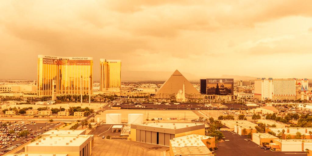 Las Vegas Hotels Pump Oxygen Into Sleeping Rooms