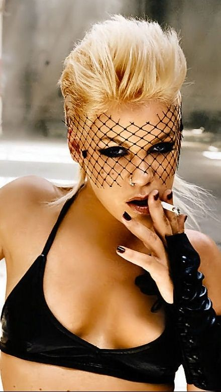 P!nk Pink smoking 3 | Aleci...