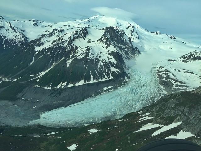Imagen aérea de un glaciar de Lake Clark (Alaska)