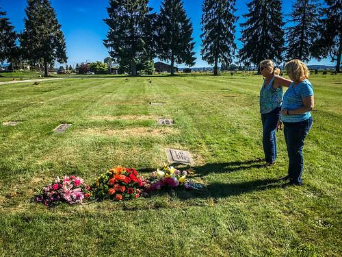 Merline Wright Grave Flowers
