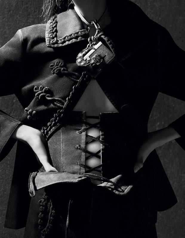 Fei-Fei-Sun-Vogue-China-Ben-Toms-03-620x798