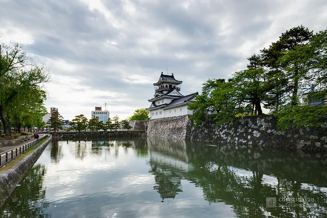 Toyamajo Castle (富山城跡)