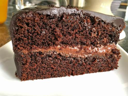 chocolate cake with apricot filling