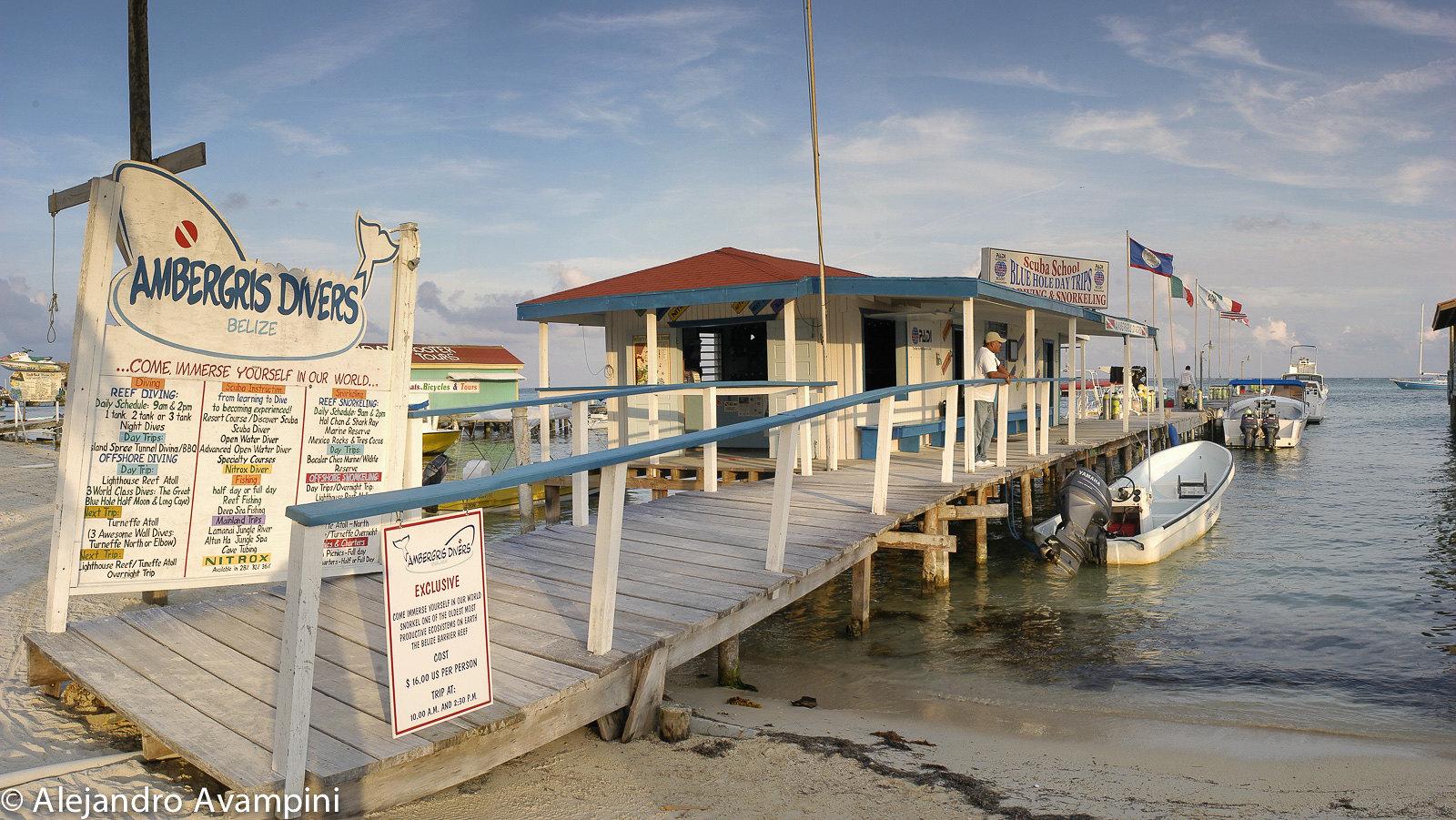 Agencia de Buceo e informes turísticos en Ambergris - Belice