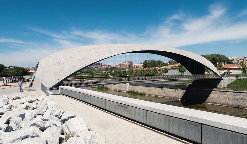 West 8, MRIO Arquitectos. Bridges Cascara Madrid RIO #4