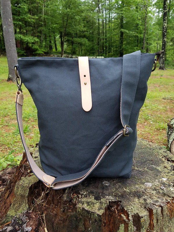 a85b1ddf0477 Niizo offers both PDF patterns and kits that contain the fabric and  hardware to make a bag. Right now you can choose from thirteen different  patterns and ...