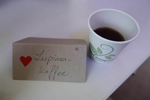 """Lupinen-Kaffee (am Stand """"Lupinenprodukte – Eine nachhaltige Alternative?"""" bei der Osnabrücker Campus Nacht)"""