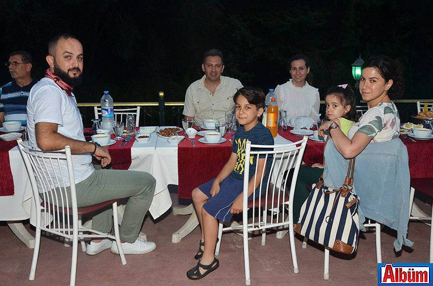 Tezcan Uysal, Koray Gürsoy ve ailesi