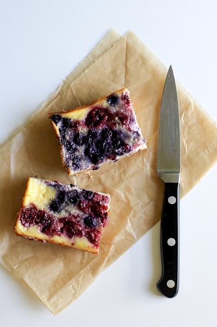 berry-buttermilk pie bars