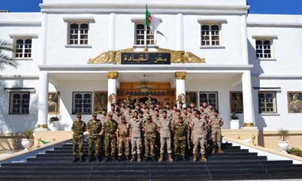 الجزائر : صلاحيات نائب وزير الدفاع الوطني - صفحة 14 34093074313_a45734733a_o