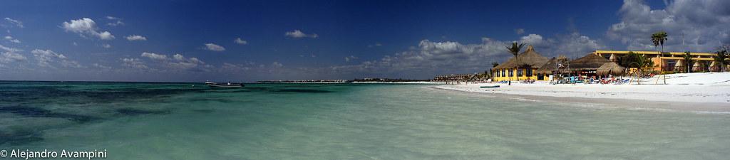 La playa de Akumal en la Riviera Maya