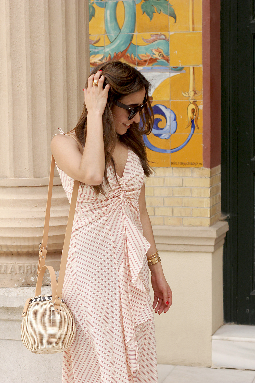 Perfect dress for summer flat sandals wicker bag céline sunnies style fashion outfit12