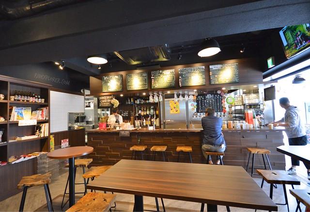hostel east57 bar and cafe tokyo