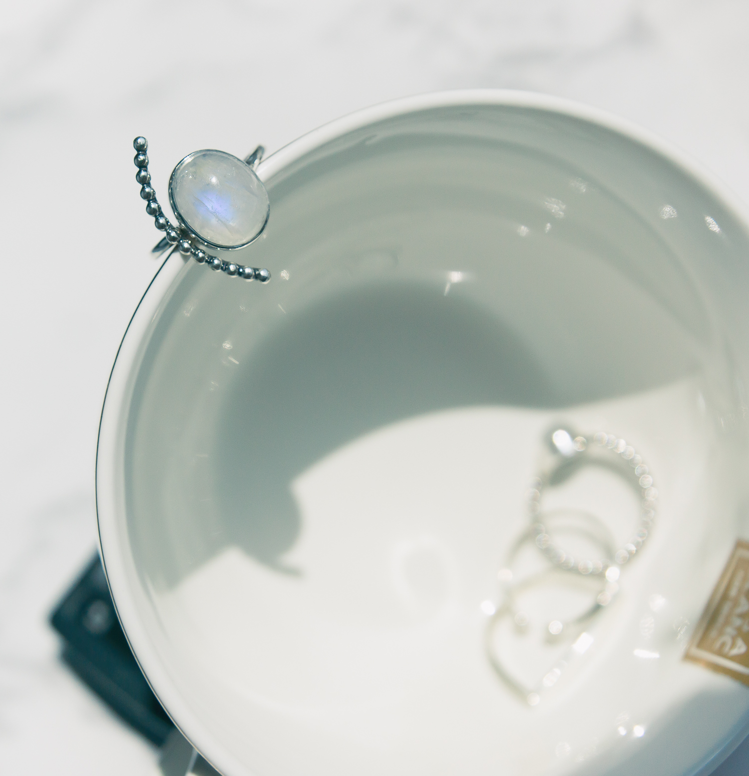 Olga Choi myblondegal fashion blogger South Korea Ольга Цой стилист байер Москва шоу-рум Styled Moscow H&M khaki ruffle sleeve dress Moonstone Magic rings--2