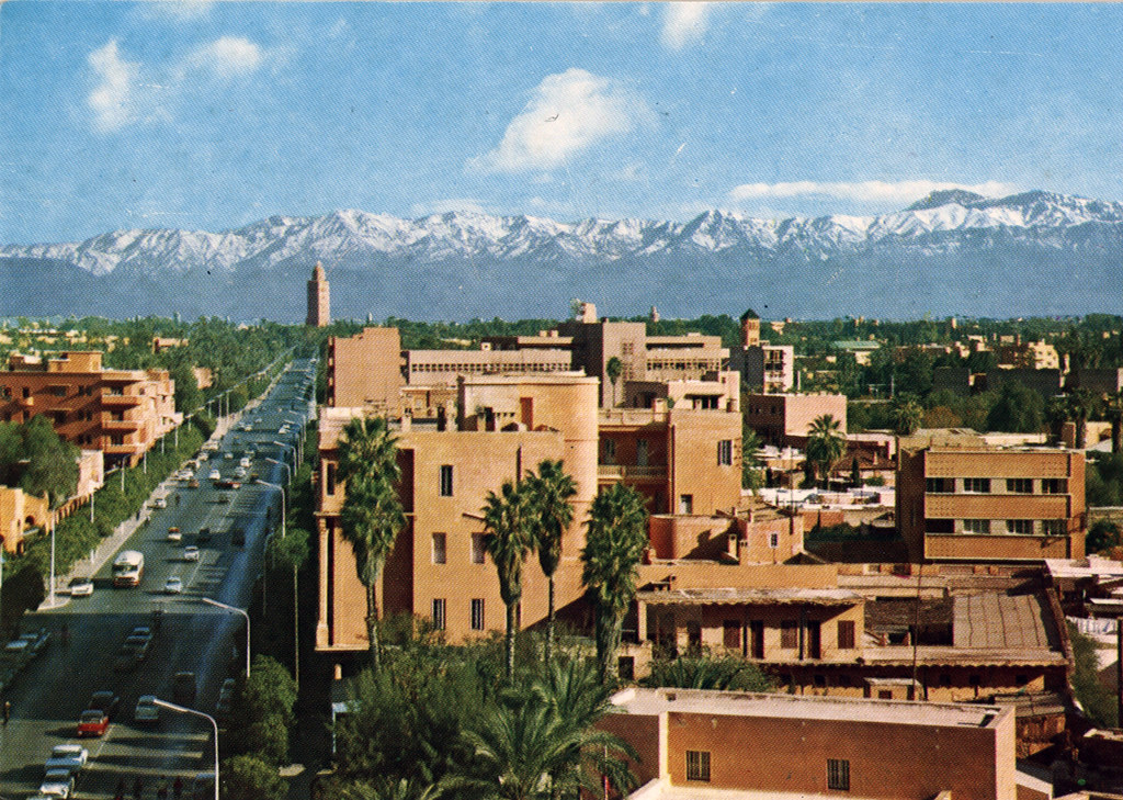 Quartier de l'Hivernage à Marrakech sur une carte postale dans années 1970/1980.