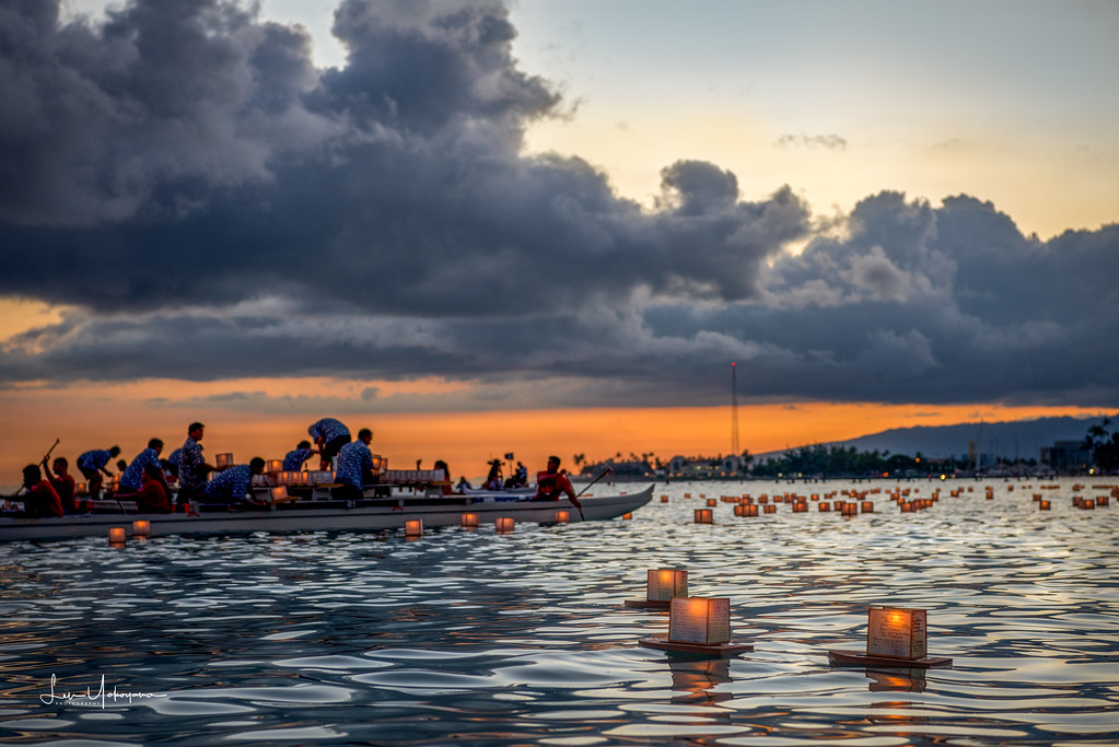 lantern floating hawaii ceremony memorial day 2017 13 flickr