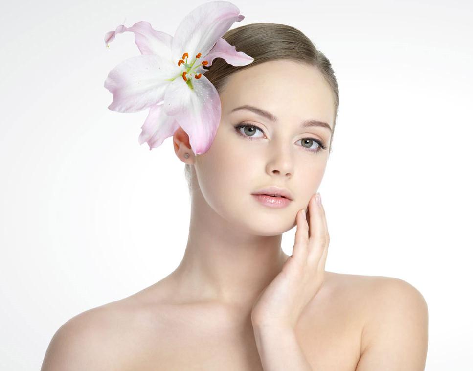 人的皮膚很敏感,不管是酒糟肌膚、脂漏性肌膚、異位性肌膚,這些敏感肌膚都很擾人,要如何才能做好敏感肌膚的護理呢?美上美的瞬效修護療程幫你保養您的敏感肌。