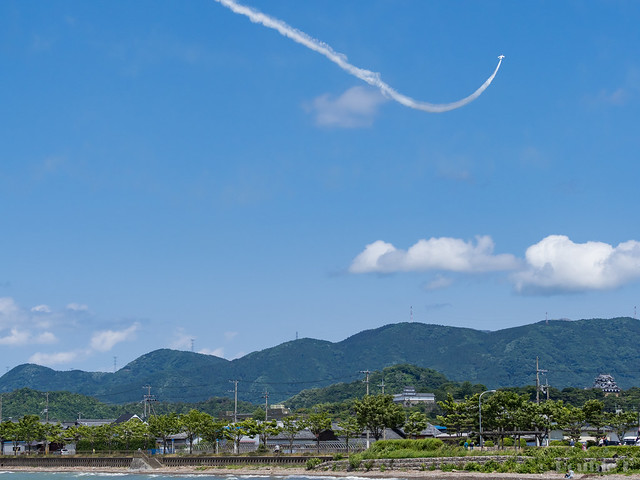 Blue Impulse's rehearsal flight for the 410th anniv. of Hikone Castle (32) Knife Edge & High Rate Climb