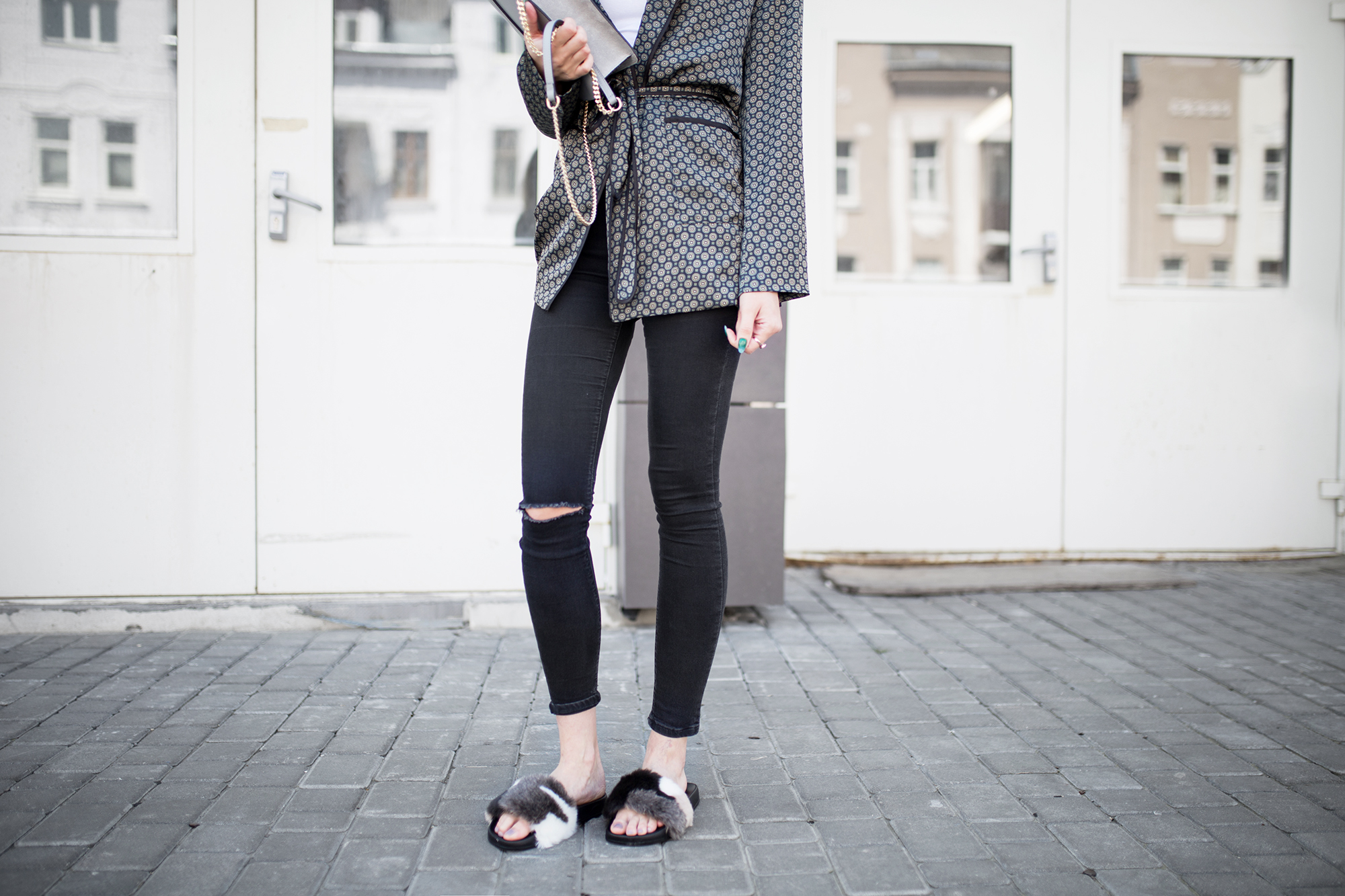 fur-slides-outfit-ideas