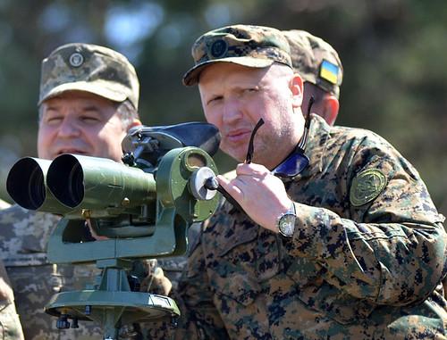 Турчинов закликає перейти до нового формату захисту країни на Донбасі