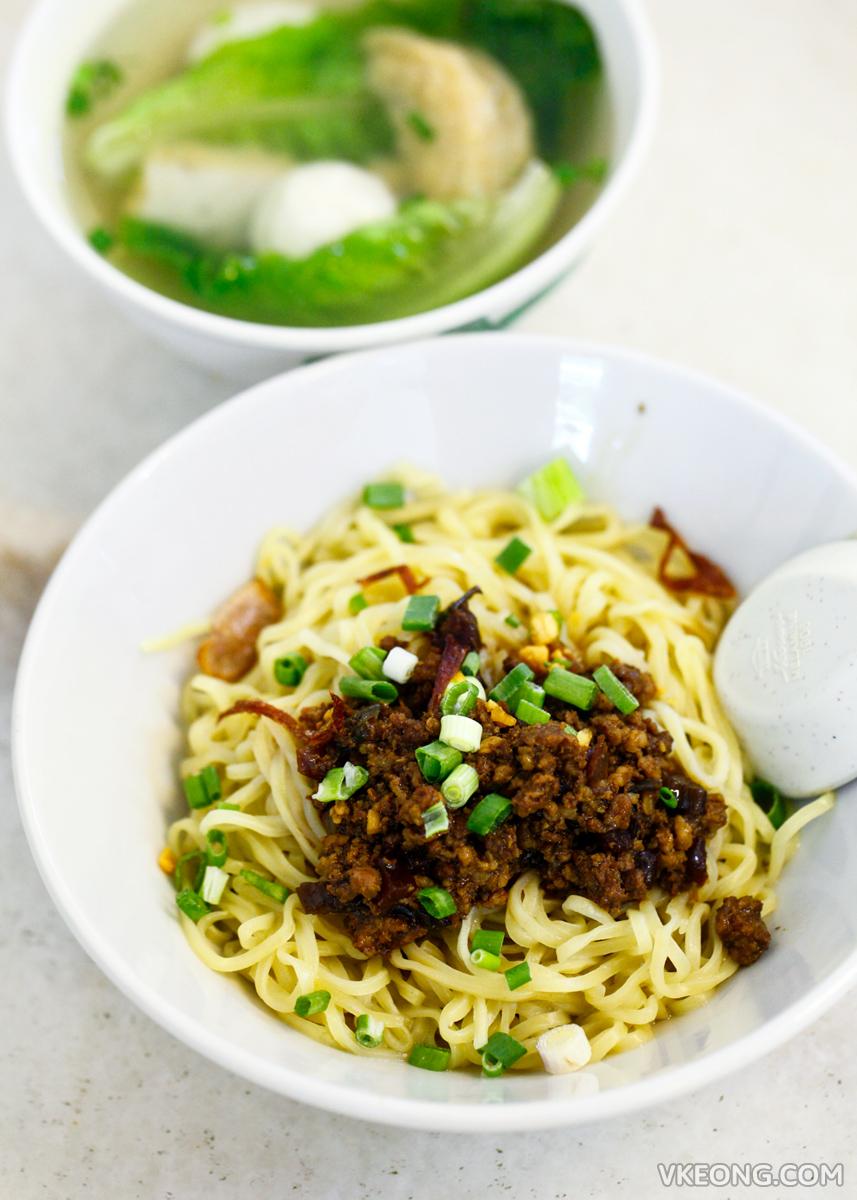 Lim's Kitchen Menjalara Hakka Mee