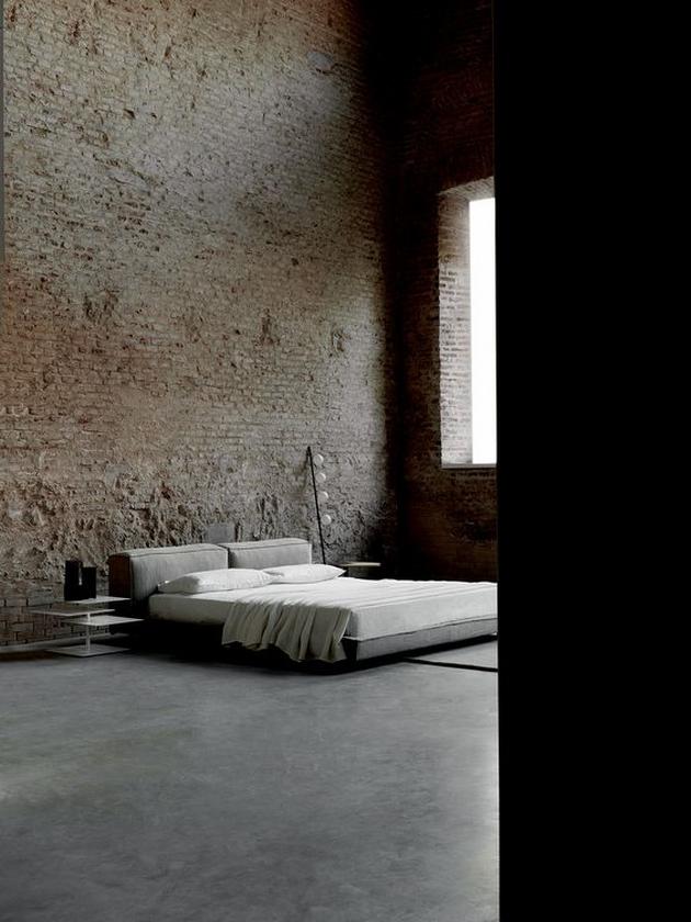 """Gam màu """"ảm đạm"""" của một không gian phảng phất nét Industrial. Tường gạch mộc và sàn bê tông được mài nhẵn đem lại cảm giác chắc nặng cho không gian."""