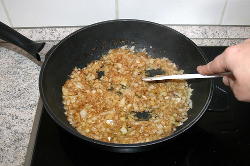 32 - Zwiebel andünsten / Braise onion