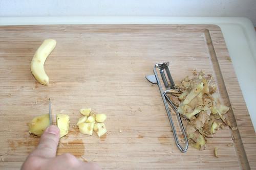 21 - Ingwer schälen & grob zerteilen / Peel & hackle ginger