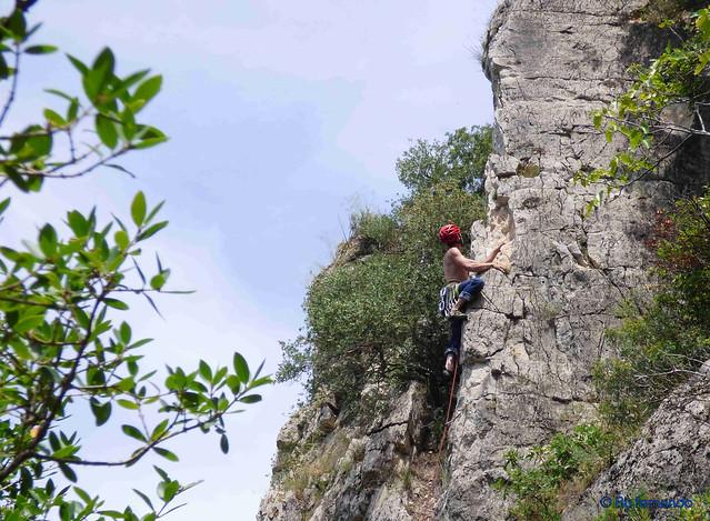 Oskar Linares - Vía 23, V+_6a -04- Pic de l'Àliga, Sector Pic de l'Àliga (28-05-2017)