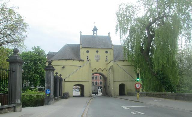 Smedenpoort, Bruges, a Gatehouse
