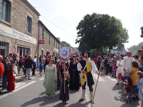 20/05/2017 - Guérande : L'amicale Boule plombée bro Gwenrann à la fête médiévale
