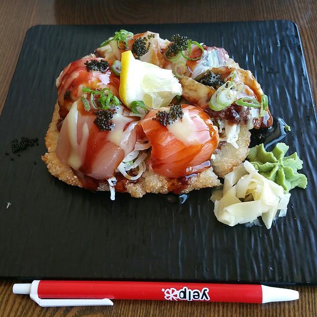 2017-05-25 KIMU sushi - Sushi Pizza (rainbow)