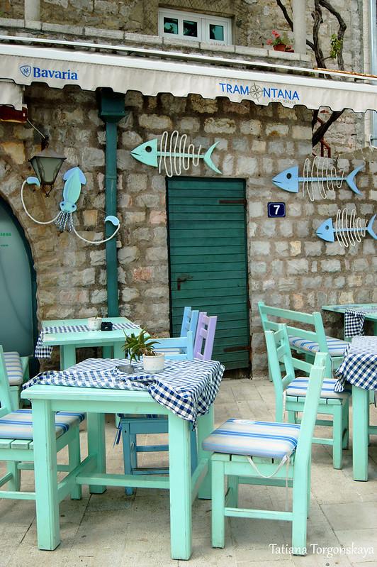 """Столики ресторана """"Tramontana"""""""