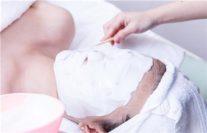 定期做好深層清潔毛孔可以維持肌膚健康、毛孔的暢通比較不會長粉刺,氫水元素活氧療程改善毛孔粗大,更新老廢角質使膚質細緻!洗臉不只是洗表面,毛孔清潔是王道
