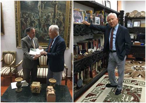 La Embajada de México entrega publicaciones al Centro de América Latina y Museo en Corea