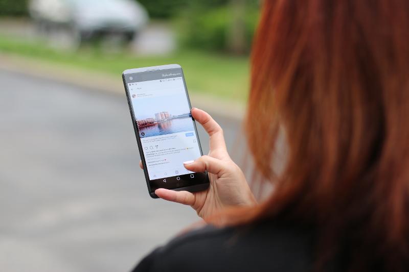 lg-v20-smartphone-verizon-2