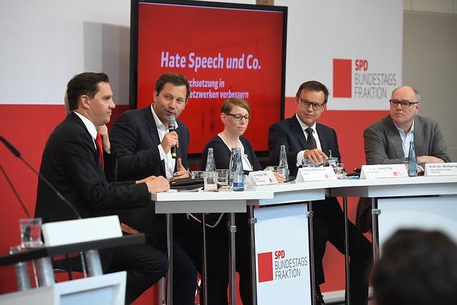 """Fachkonferenz """"Hate Speech & Co. Rechtsdurchsetzung in Sozialen Netzwerken verbessern"""" am 18.05.2017"""