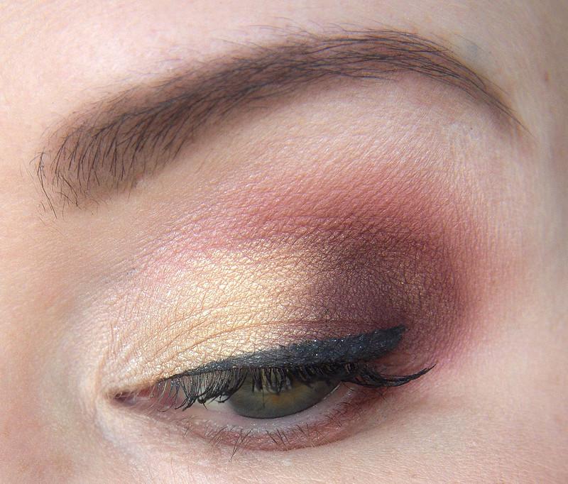 gold red makeup