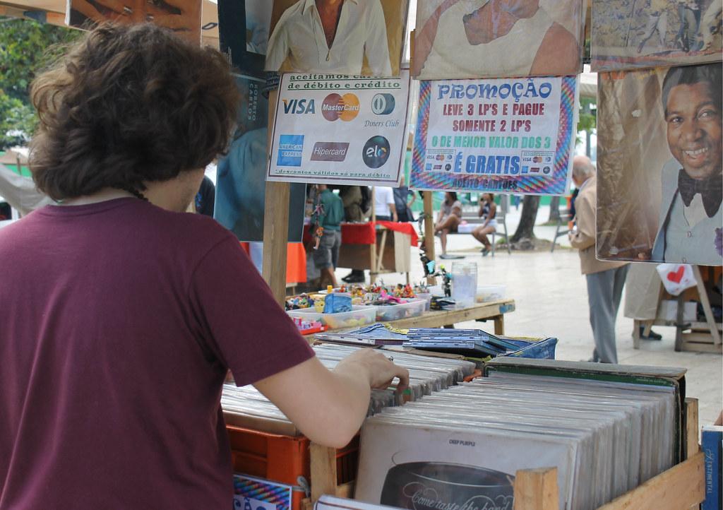 feira-antiguidades-praça-XV-8