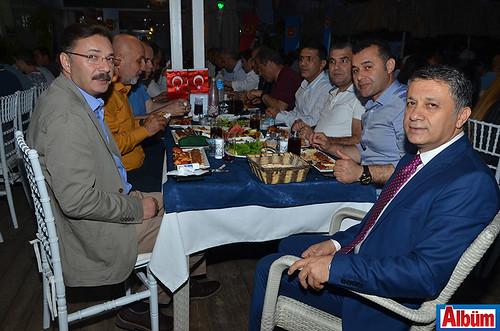 AGC Başkanı Mehmet Ali Dim ve protokol üyeleri Albüm için poz verdi.