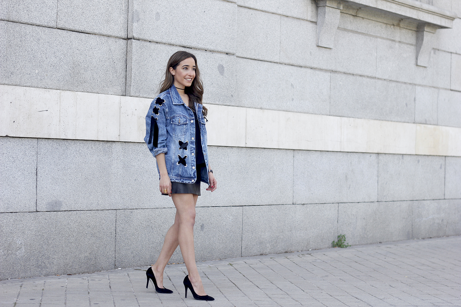 denim jacket leather skirt black heels outfit style fashion summer12