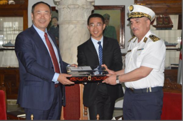 الجزائر : صلاحيات نائب وزير الدفاع الوطني - صفحة 14 34017161333_9549758c93_o