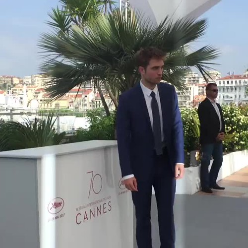 Rob Pattinson PhotoCall #Cannes2017