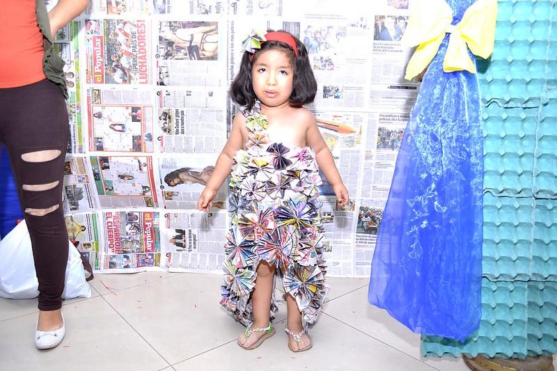 Desfile de modas con material reciclable (2017)